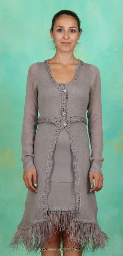 Cardigan, Victoria, steeple-grey