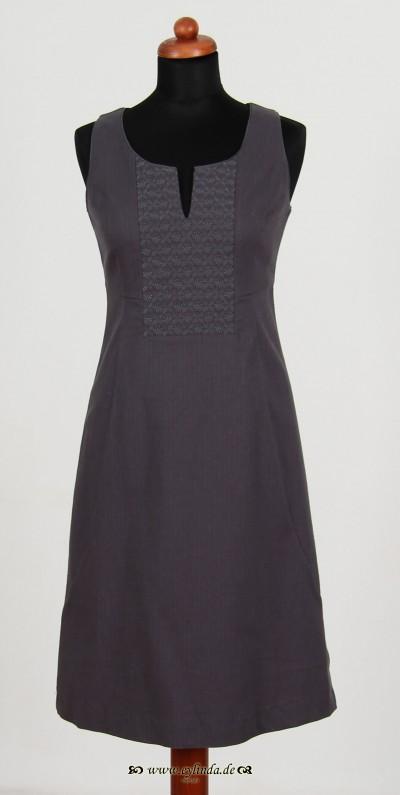 Kleid, Magpie Wool, shark