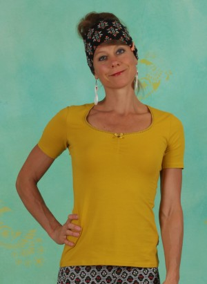 Shirt, Logo Balconette Tee, just-me-in-yellow